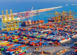 Congestión y escasez de contenedores continúa en todo el mundo