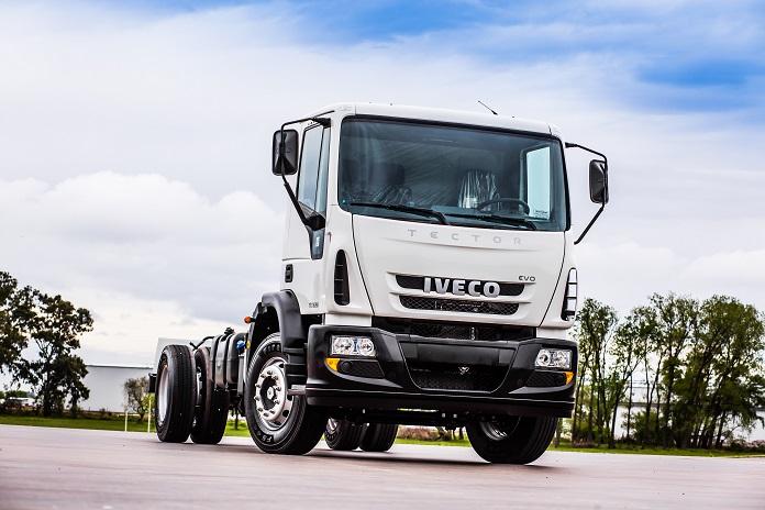 Argentina: IVECO presenta su nuevo vehículo de carga pesada TECTOR Evo