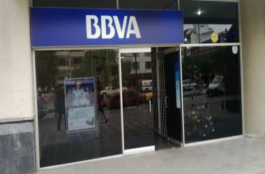 Banco BBVA ofrece crédito de hasta 60 meses en compra de vehículos eléctricos