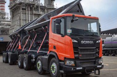 Camión Scania con capacidad de carga de 80 toneladas útiles y 110 toneladas de peso bruto / FOTO Sobre Ruedas