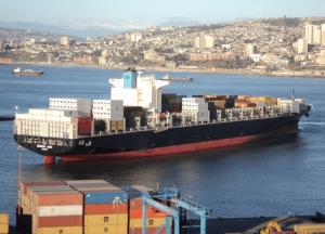 Colapsa pila de contenedores en nave Maersk con carga de MSC en ruta a Nueva York