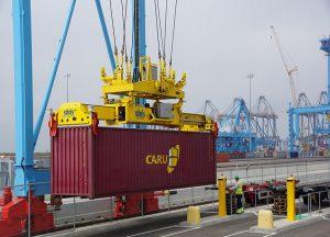 Uno de cada tres contenedores en todo el mundo se están roleando en medio de un desafío sin precedentes en la cadena de suministro.