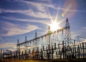 Se tiene prevista una inversión de 300 millones de soles, para llevar el servicio eléctrico a 39.000 viviendas de 16 regiones.