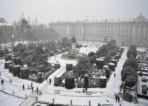 Ni la pandemia ni el frente de nieve causarán problemas de abastecimiento a la población en general de España.