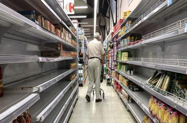 Faltaban algunos productos en supermercados y fue por el abastecimiento del productor industrial.