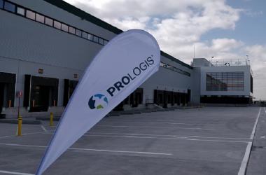 Prologis invertirá más de 100 millones de euros para tener presencia en dos de los polos logísticos más importantes del país.