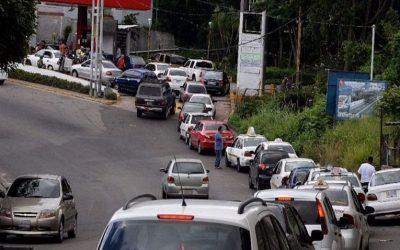 Venezuela: Crisis por falta de combustible podría paralizar la cadena productiva
