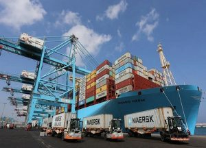 El servicio adicional toma cinco semanas con 5 buques de 2.500 – 4.500 TEUs.