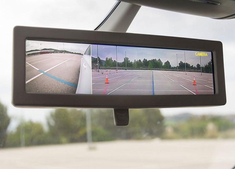Ford presenta su espejo retrovisor inteligente para vehículos comerciales