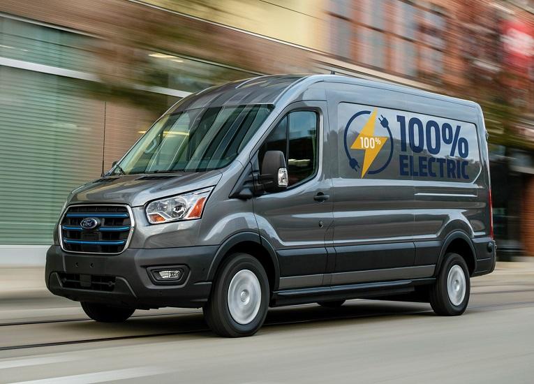 Ford comenzó a probar con clientes su nueva E-Transit