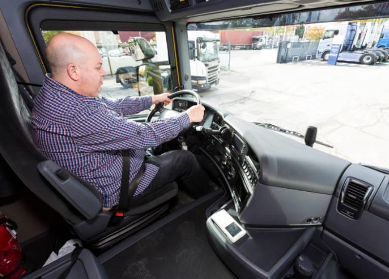 ¿Cómo evitar la fatiga en las y los conductores profesionales?