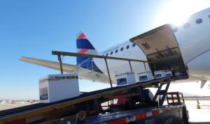 Avión Solidario: Más de 50 millones de vacunas ha transportado LATAM en Sudamérica