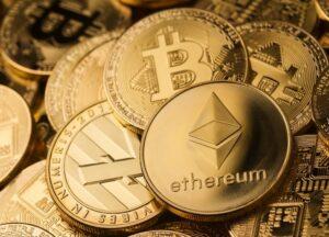 La utilización de las criptomonedas podría facilitar en gran medida muchas de las transacciones internacionales.